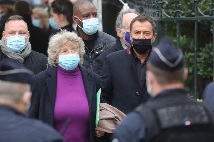 Jacqueline Franjou et Bernard Montiel photographiés à leur arrivée à l'église Saint-Germain-des-Prés
