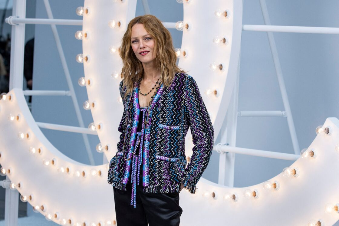 Vanessa Paradis en jean et tweed de la collection printemps/été 2021 de Chanel