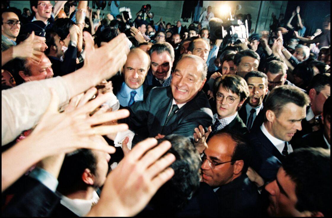 François Baroin au côté de Jacques Chirac, proche de son père, mentor politique... et candidat victorieux à la présidentielle de 1995.