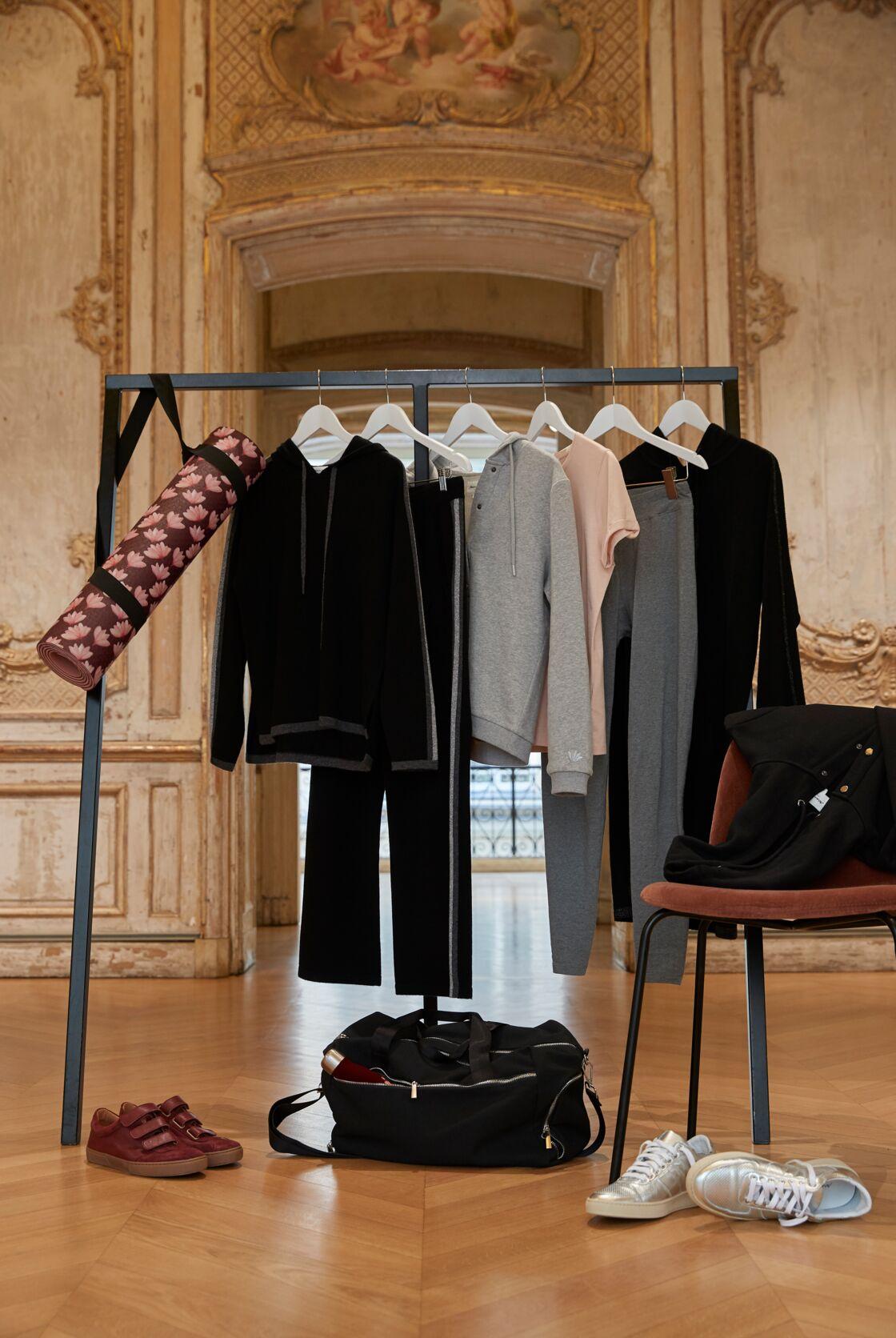 La collection de Maison 123 se compose d'un tapis de yoga, d'une gourde, d'un sac de sport, d'un sweatshirt décliné en trois coloris, ainsi que d'un gilet, d'une robe, et d'un ensemble pull et pantalon, en laine et cachemire.