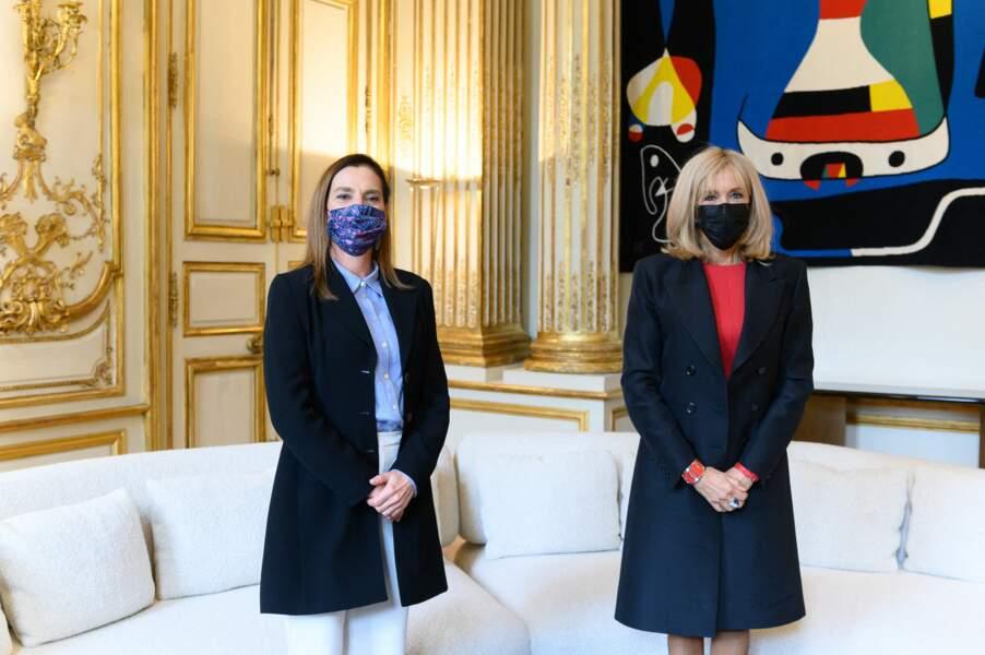 Brigitte Macron était masquée pour discuter avec son homologue mexicaine, Beatriz Gutiérrez Müller, ce 8 octobre, à l'Elysée.