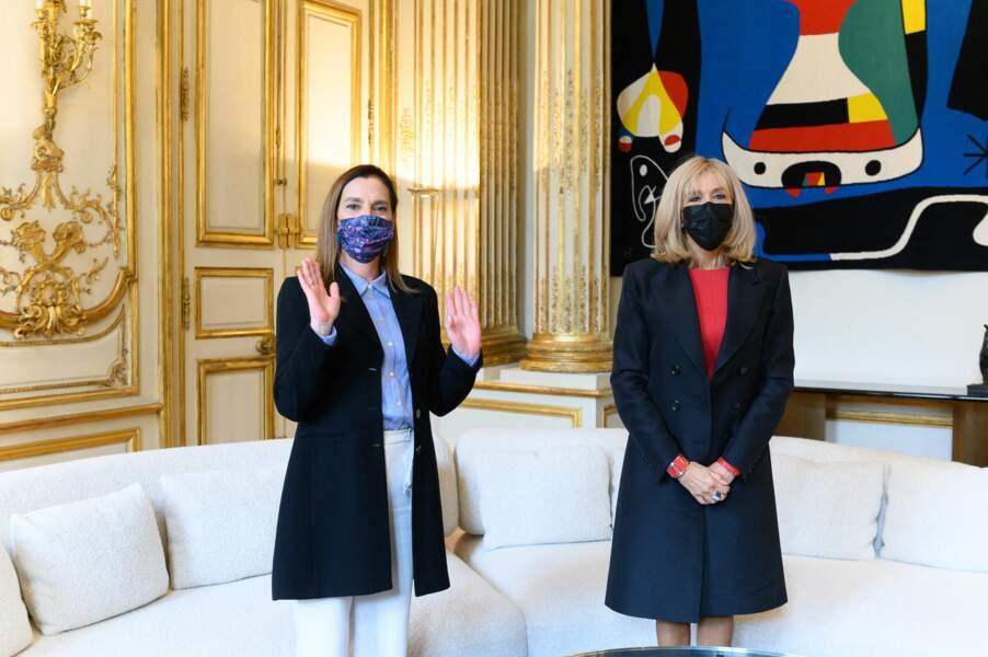 Stoïque, Brigitte Macron a accueilli ce 8 octobre Beatriz Gutiérrez Müller, l'épouse du président mexicain, Andrés Manuel López Obrador.