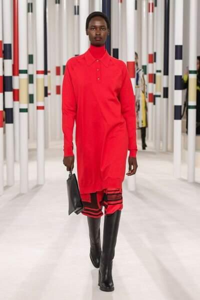Le rouge star du défilé Hermès Prêt-à-porter Automne-hiver 2020-2021