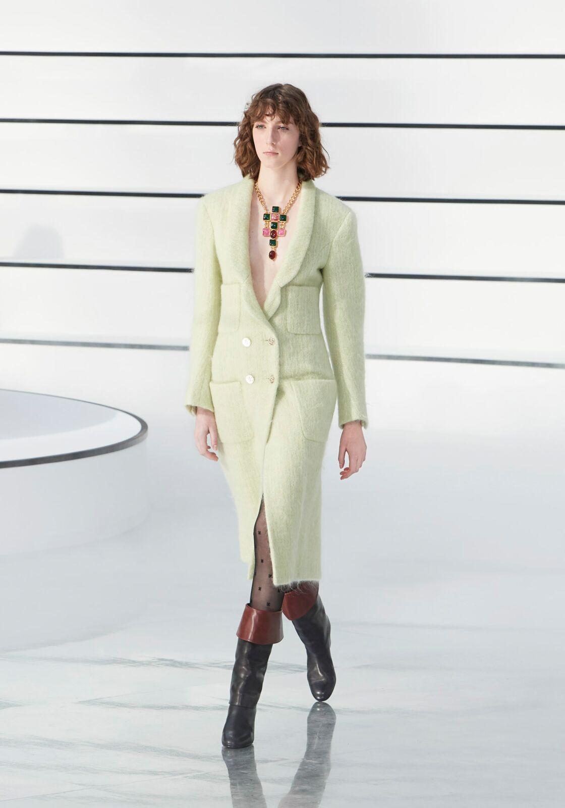Le vert pastel se porte avec chic cet automne 2020 comme le prouve Chanel