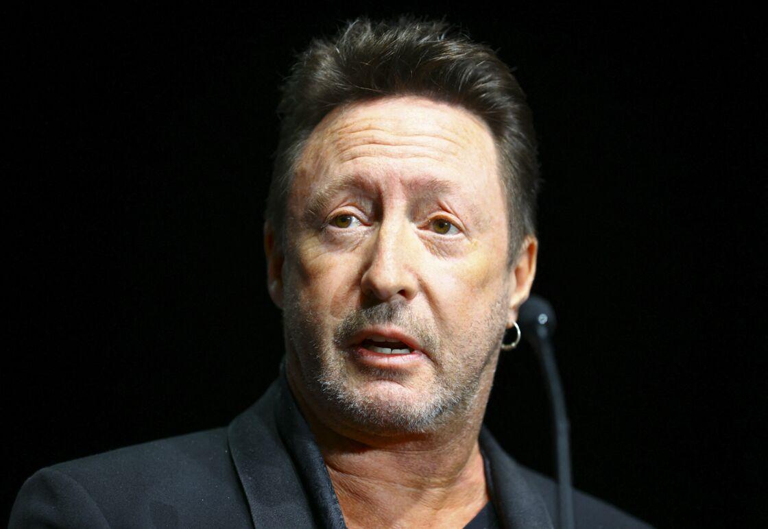 Sean Lennon, le premier fils de John Lennon, a été abandonné par son père à l'âge de cinq ans