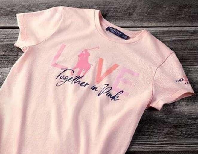 Cette année, Ralph Lauren présente Pink Pony 2020, une collection composée de plusieurs pièces iconique.