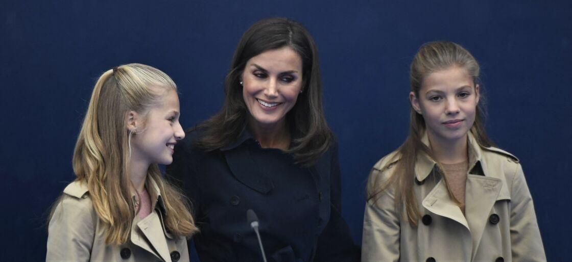 La reine Letizia, entourée de ses filles, l'infante Sofia et la princesse Leonor.