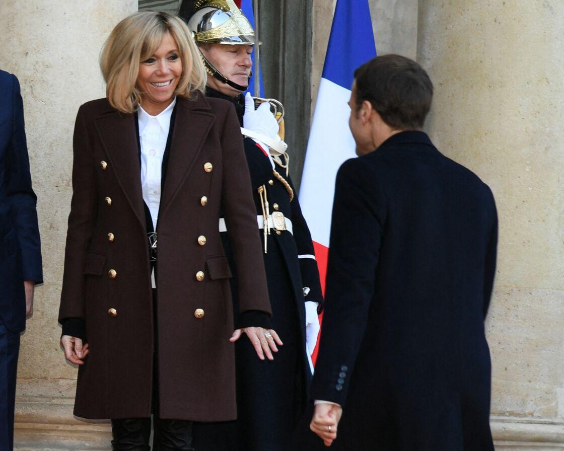 Brigitte Macron a surtout cherché à protéger son mari, pour qui elle s'inquiétait.