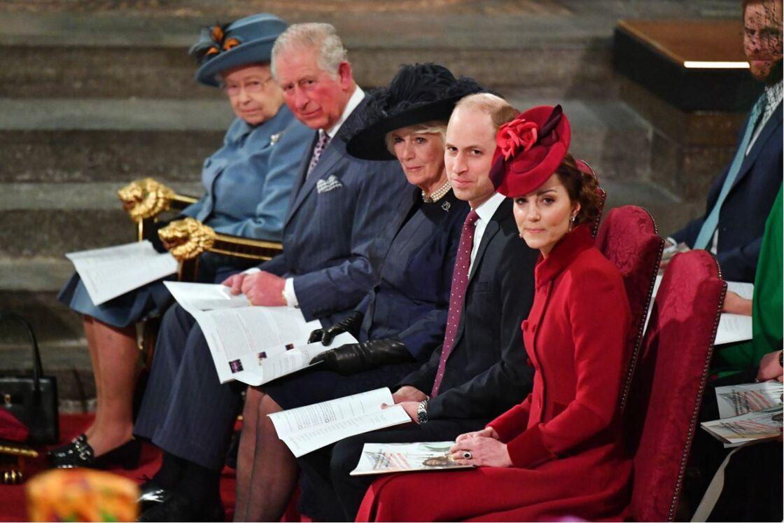 La famille royale d'Angleterre lors de la cérémonie du Commonwealth en l'abbaye de Westminster à Londres