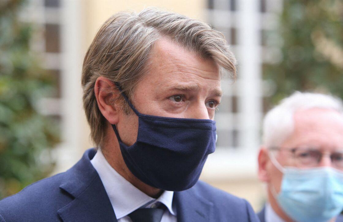 François Baroin, président de l'AMF (Association des Maires de France), masque Lacoste - Le premier ministre reçoit les représentants de l'Association des maires de France et des présidents d'intercommunalité (AMF) à Matignon le 30 septembre 2020.