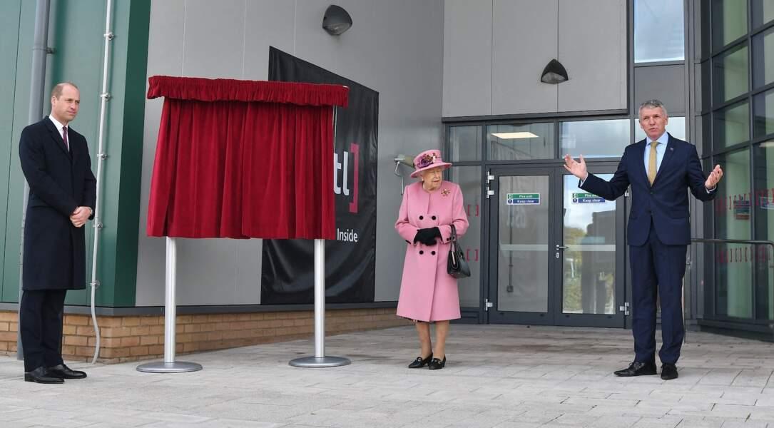 C'est avec le prince William que la reine Elizabeth II a choisi d'honorer son premier engagement public depuis son retour au château de Windsor
