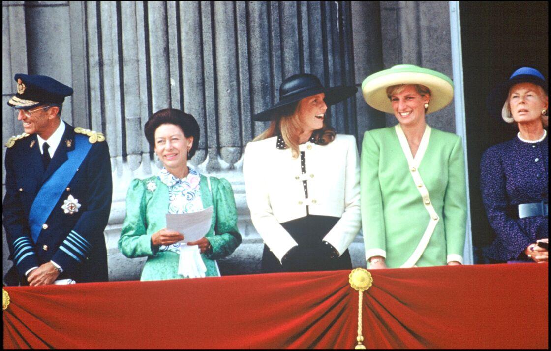 La famille d'Angleterre au royal Battle of Britain : la princesse Margaret, Sarah Ferguson, Lady Diana et la duchesse de Kent, en 1990