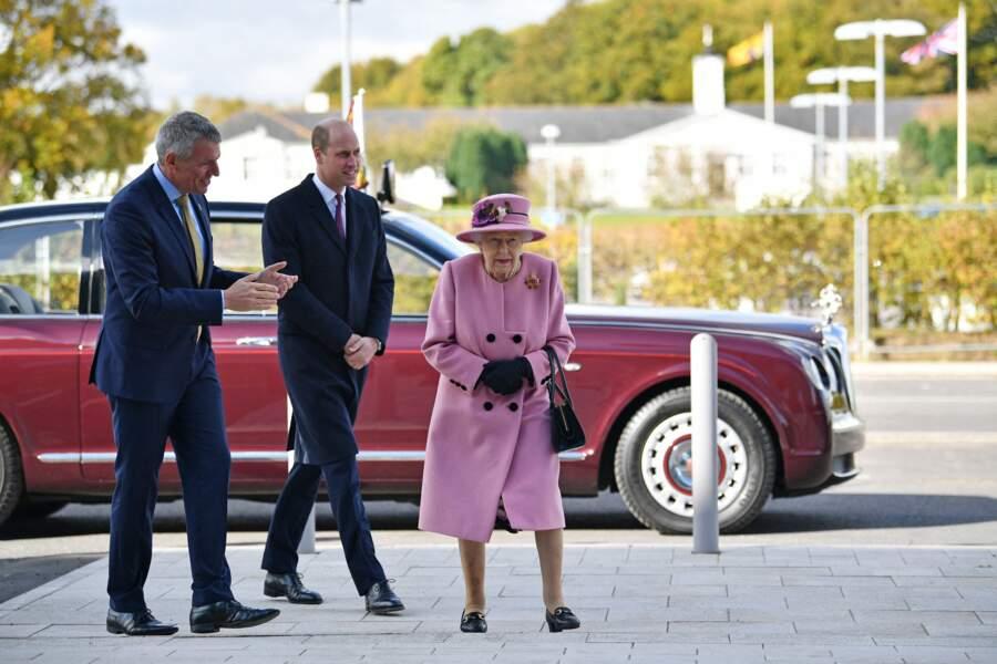 Si la reine Elizabeth II a souhaité emmener William avec elle, c'est aussi pour le préparer à son rôle de futur monarque