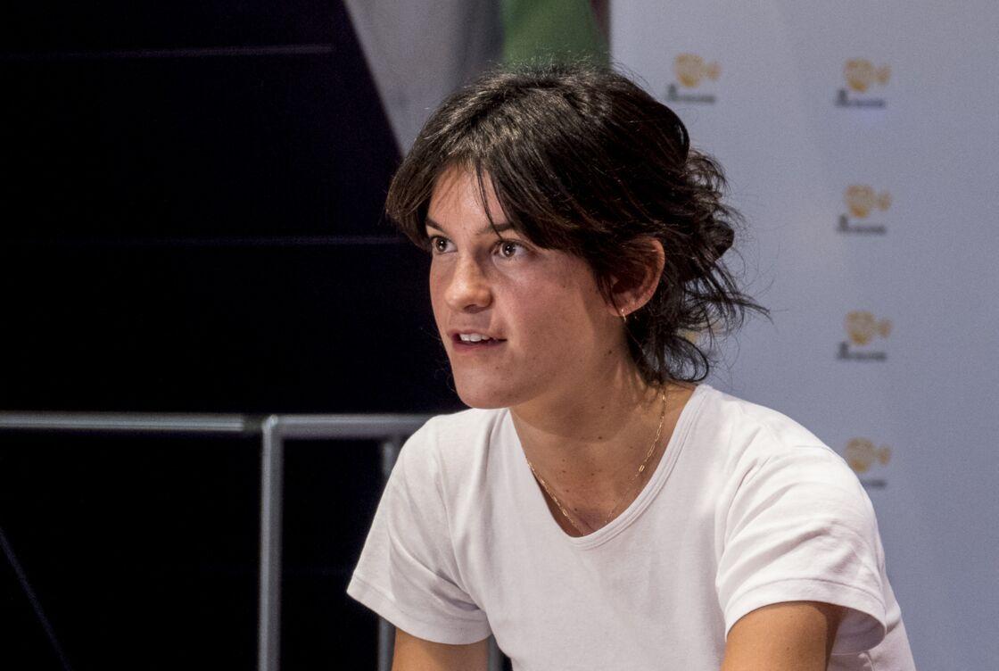 La réalisatrice Suzanne Lindon (fille de S.Kiberlain et V.Lindon) présente son film