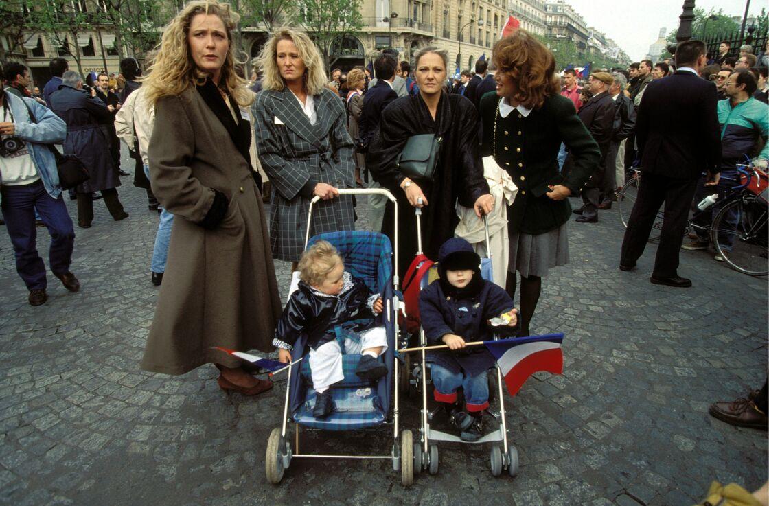 Jany Le Pen, entourée de Marine, Marie-Caroline et Yann, à Paris, en 1991.
