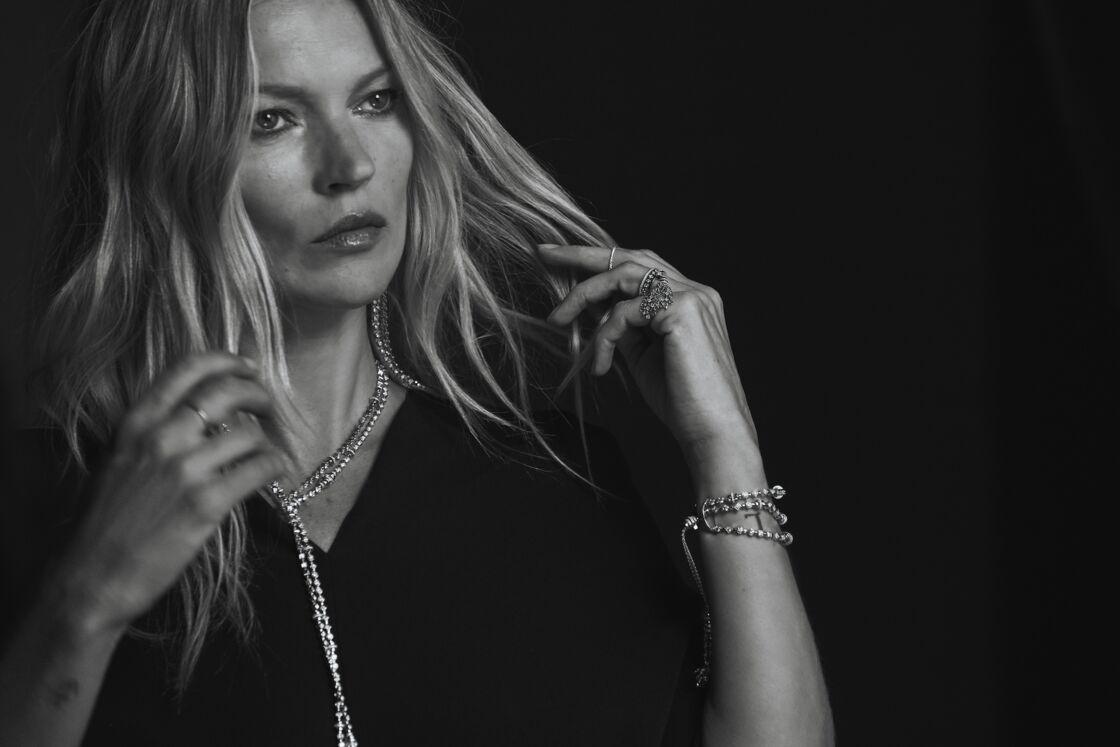 Kate Moss incarne la ligne de haute-joaillerie imaginée en collaboration avec Valérie Messika.
