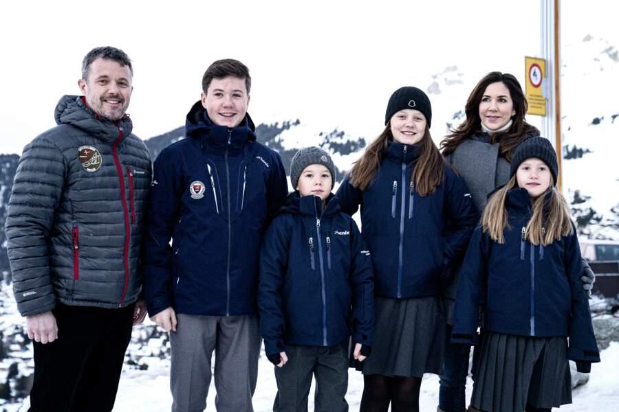 La famille royale danoise lors de vacances au ski.