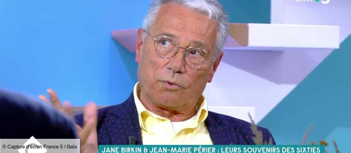 VIDÉO – Charlotte Gainsbourg ultra-timide: Jean-Marie Périer raconte une scène cocasse - Gala