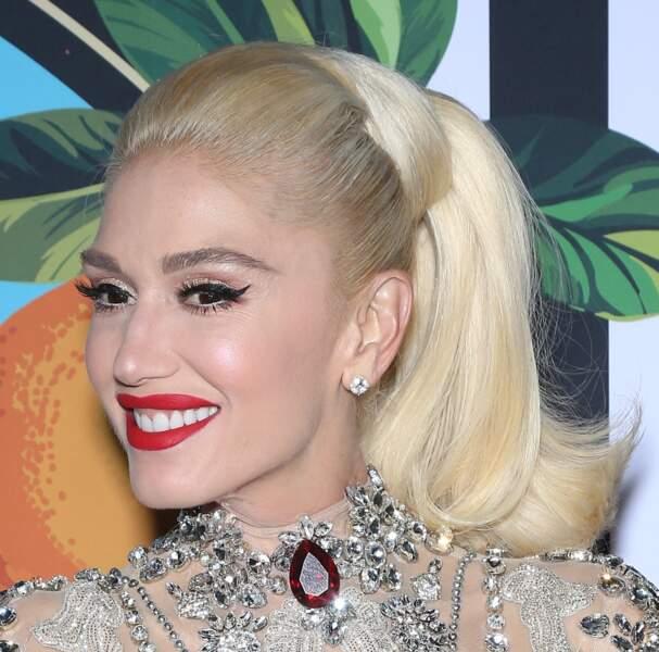 Gwen Stefani et son inimitable queue de cheval haute tout en volume