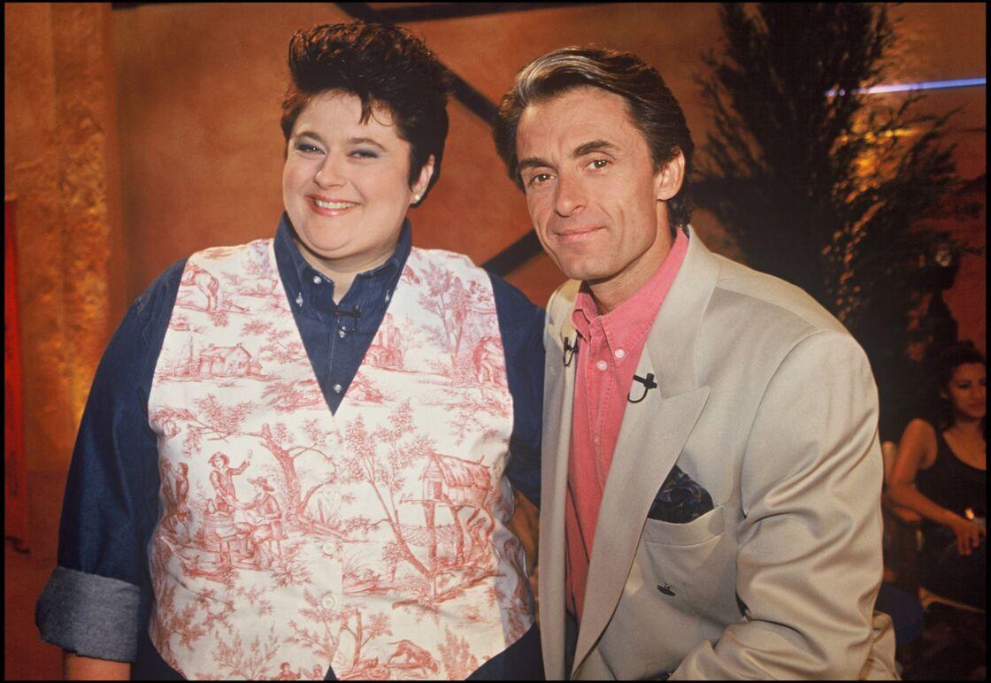 Sonia Dubois avant son incroyable perte de poids, au côté de Gérard Holtz, en 1994.
