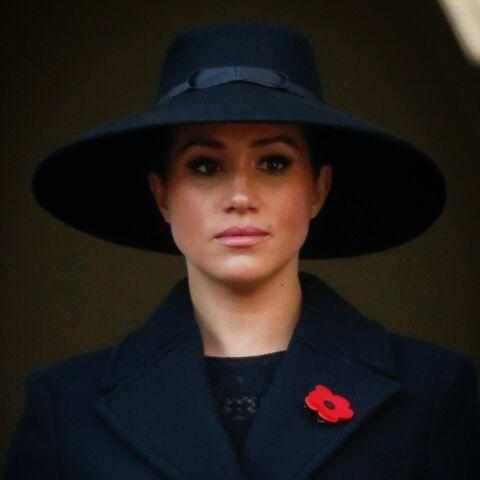"""Meghan Markle victime d'une """"clique"""" à Buckingham: comment elle a été poussée à bout"""