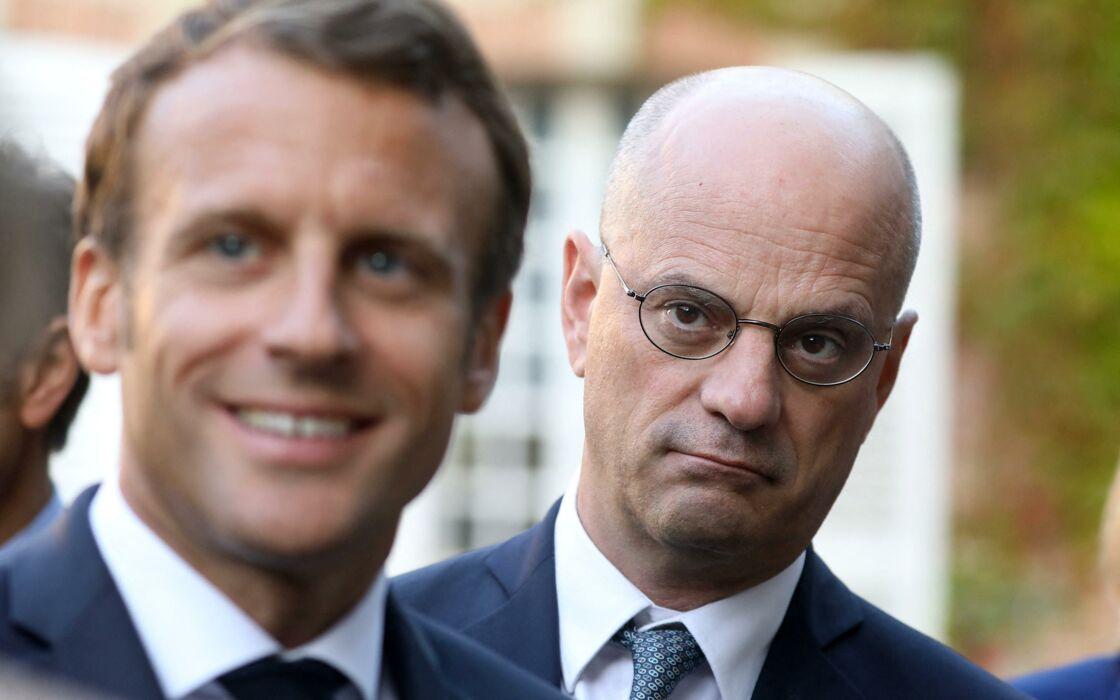 Il faut lui faire des câlins ! » : Jean-Michel Blanquer agace dans son camp  - Gala