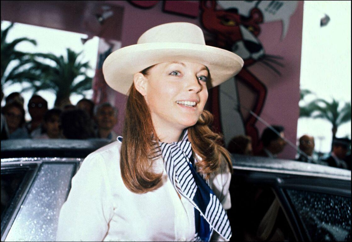 Romy Schneider rayonnante au Festival de Cannes en 1978. Le sourire était-il de façade ?