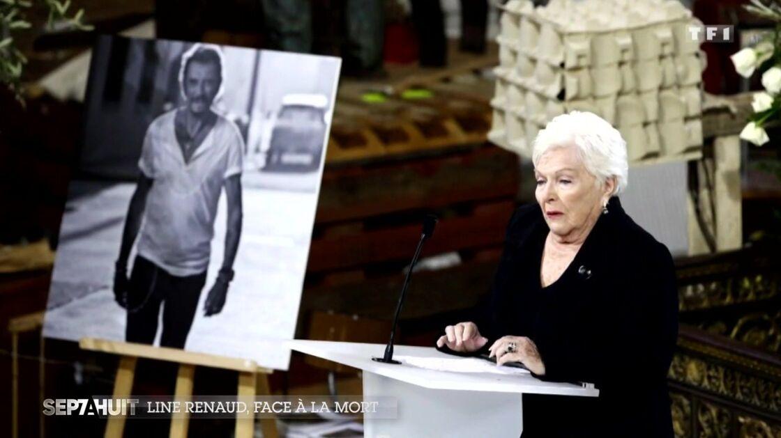 Line Renaud lors de l'hommage à Johnny Hallyday le 9 décembre 2017