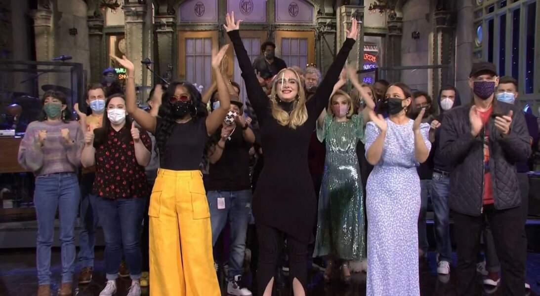 Adele très amaigrie et superbe dans l'émission Saturday Night Live à Los Angeles, le 24 octobre 2020