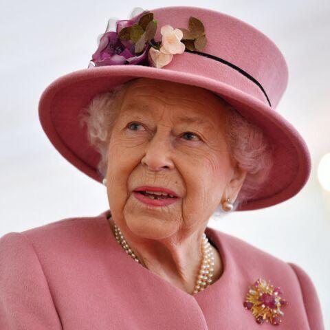 Le saviez-vous? Elizabeth II utilise son sac pour des messages codés