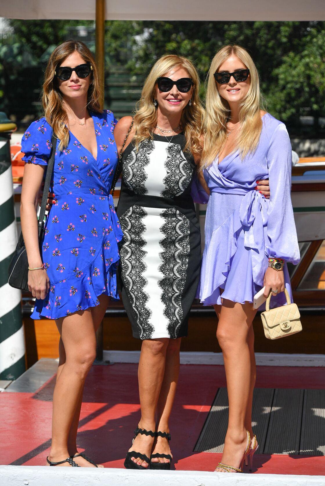 Chiara Ferragni avec sa maman et sa sœur, Francesca, à la Mostra de Venise en 2019.