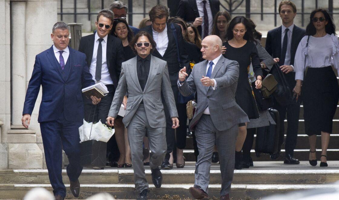 Johnny Depp à la sortie de la cour royale de justice de Londres, au dernier jour de son procès en diffamation, le 28 juillet 2020.