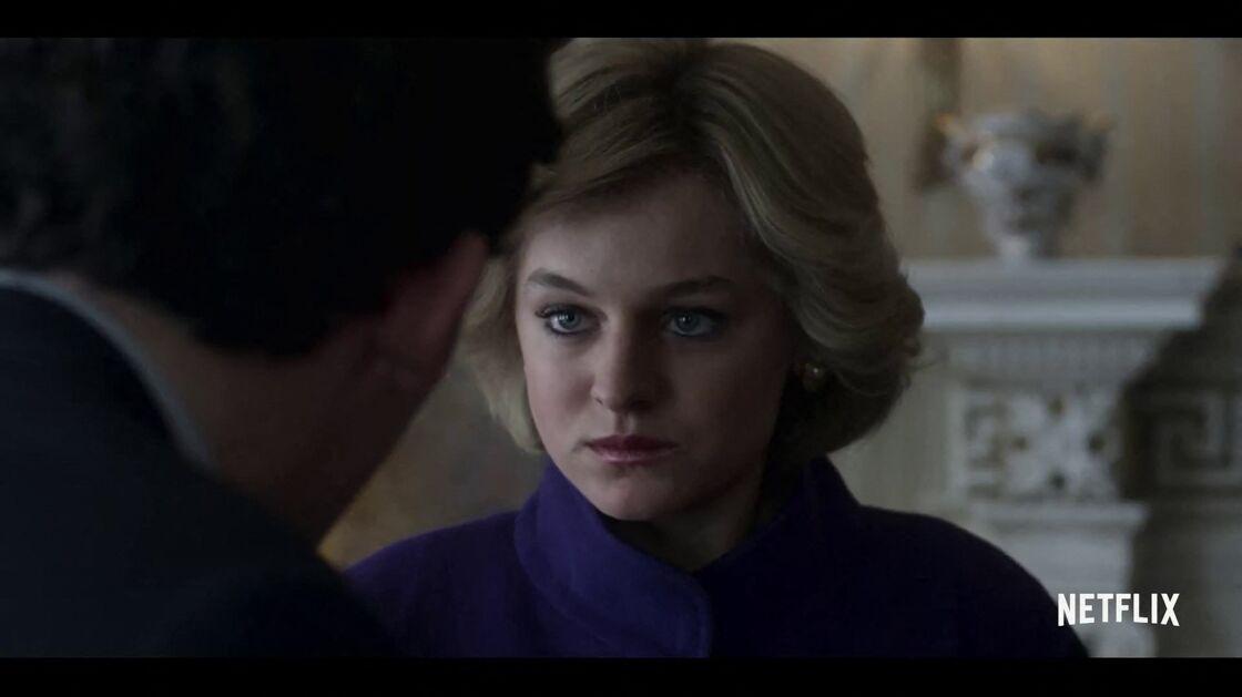 Emma Corrin incarnant Diana dans la quatrième saison de la série Netflix The Crown
