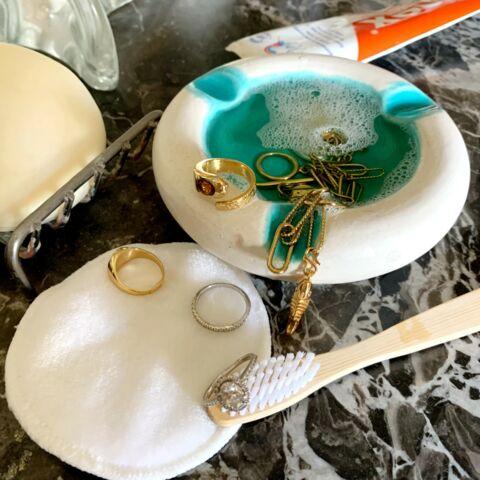 Comment bien nettoyer ses bijoux à la maison?