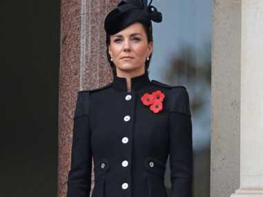 PHOTOS - Kate Middleton chicissime et solennelle aux côtés de la reine et Camilla