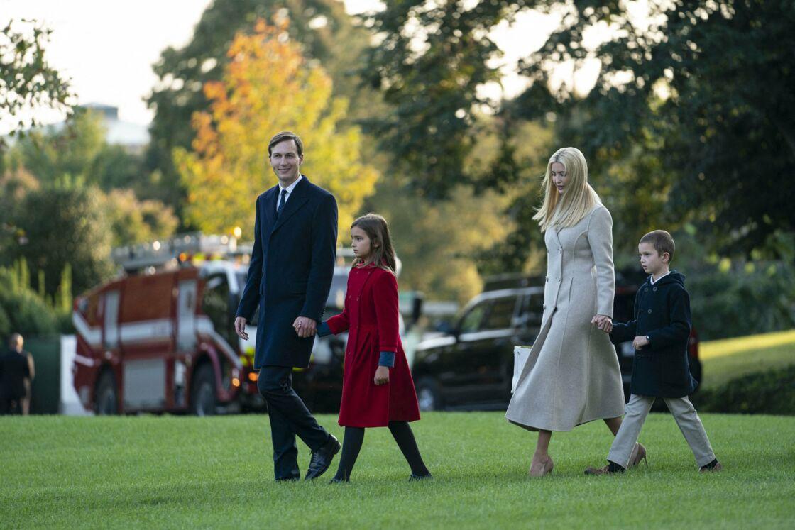Ivanka Trump, son mari Jared Kushner, et deux de leurs trois enfants, Arabella (9 ans) et Theodore (4 ans)