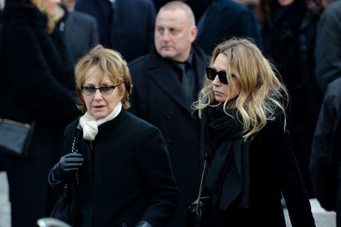 Nathalie Baye et sa fille Laura Smet aux obsèques de Johnny Hallyday le 9 décembre 2017