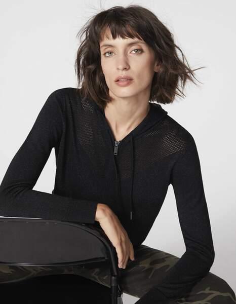Cardigan zippé noir à capuche points résille - IKKS, 145 €