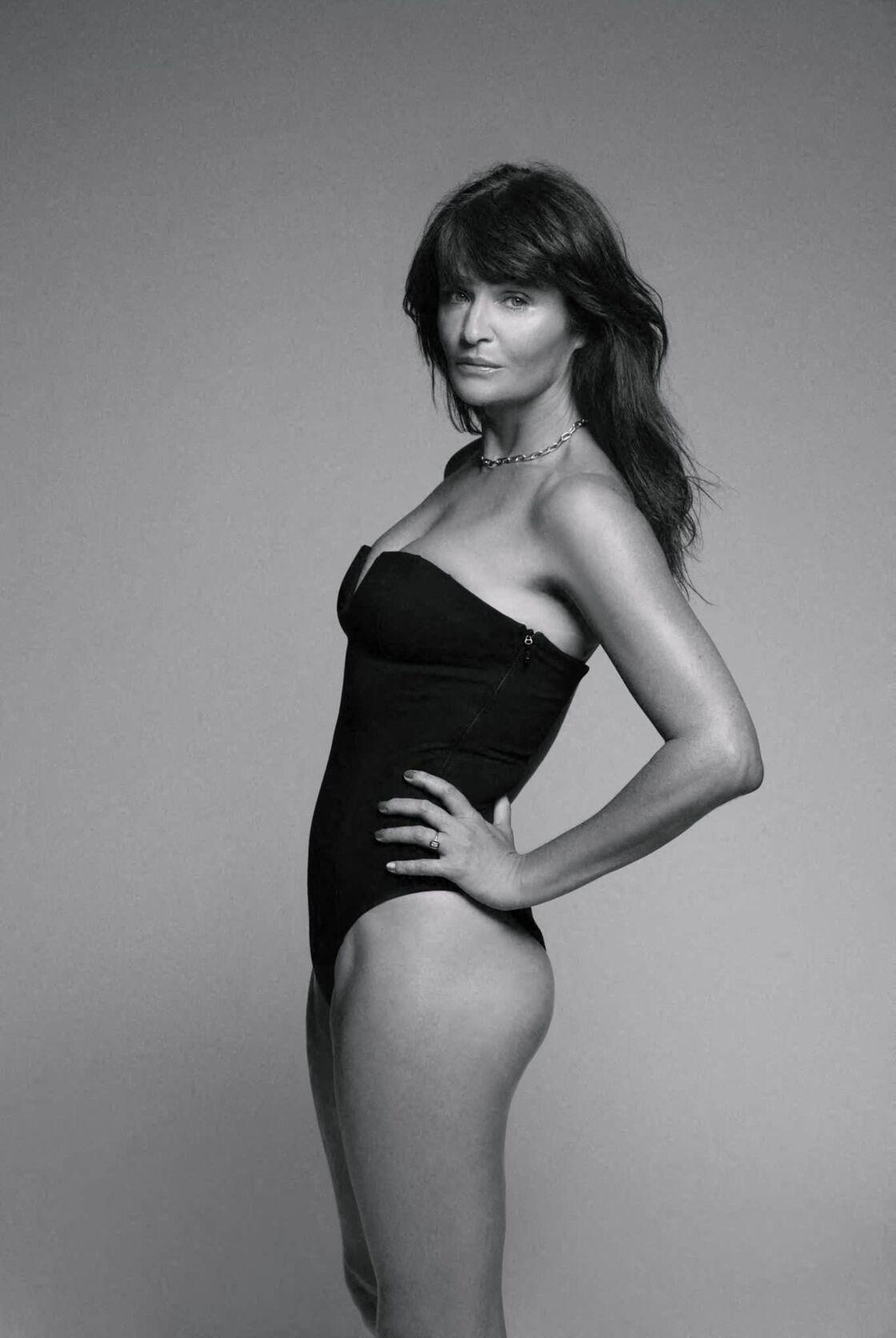 A 52 ans, Helena Christensen sublime dans ce maillot 1-Pièce bustier, fruit de sa collection avec Anine Bing (179€).