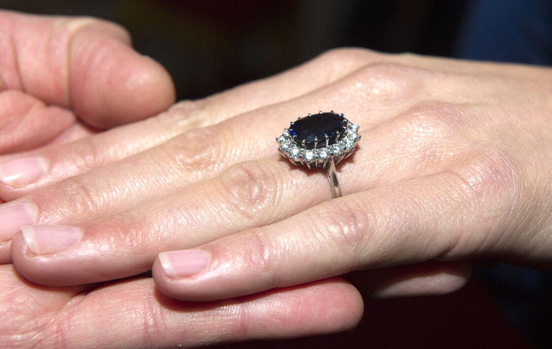 La bague de fiançailles de Kate Middleton, héritée de Diana.