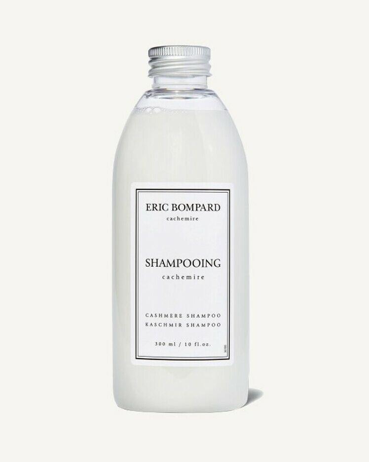 Le shampoing spécial cachemire redonne toute la douceur d'un pull en lavage.