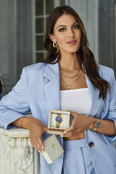 Cette montre Cluse x Iris Mittenaere est vendue avec une boîte cadeau en édition limitée