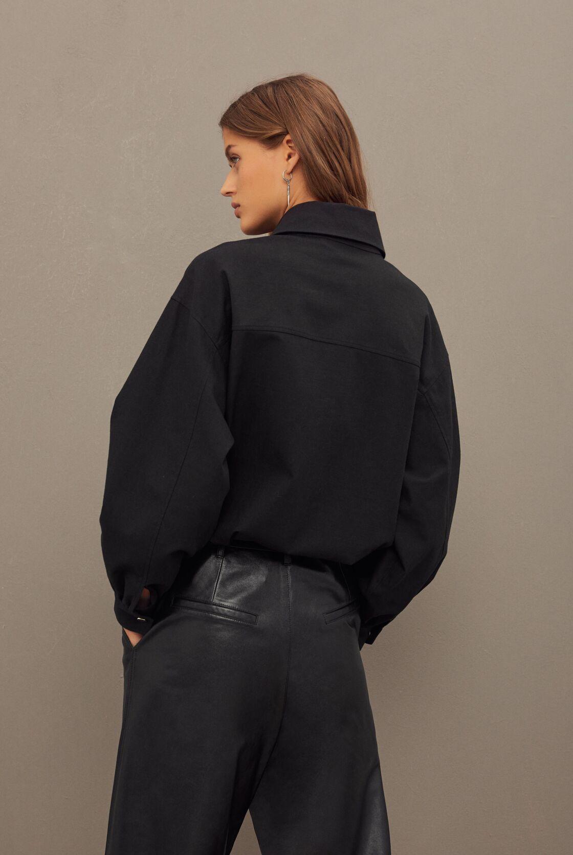 Pépite de la collection Automne-hiver 2020 Bash : La jolie surchemise noire