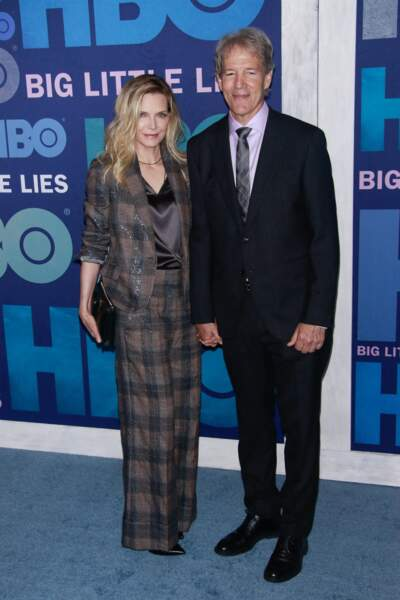 """Michelle Pfeiffer et son mari David E. Kelley lors de la première de la deuxième saison de la série """"Big Little Lies, à New York, le 29 mai 2019."""