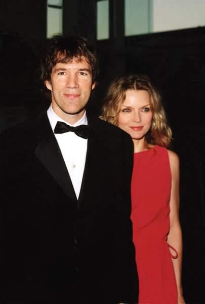 Michelle Pfeiffer et son époux David E. Kelley, en 2000.