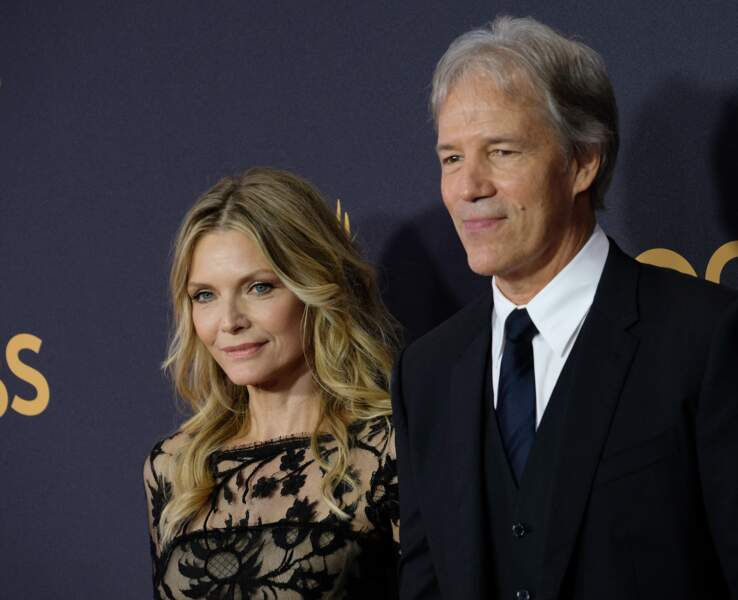 Michelle Pfeiffer et soon mari David E. Kelley à la 69ème soirée annuelle des Emmy Awards, à Los Angeles, le 17 septembre 2017.