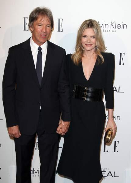 Michelle Pfeiffer et son époux, David E.Kelley, à la 18ème cérémonie pour rendre hommage aux femmes de Hollywood, en 2001, à Los Angeles.