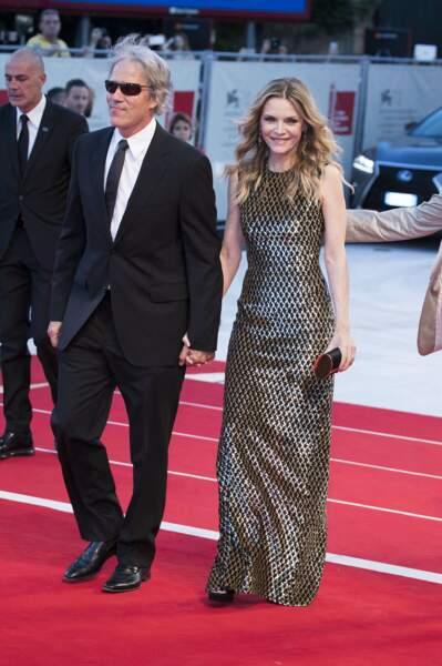 """Michelle Pfeiffer et son mari David E. Kelley à la première de """"Mother !"""" au 74ème Festival International du Film de Venise, en septembre 2017."""
