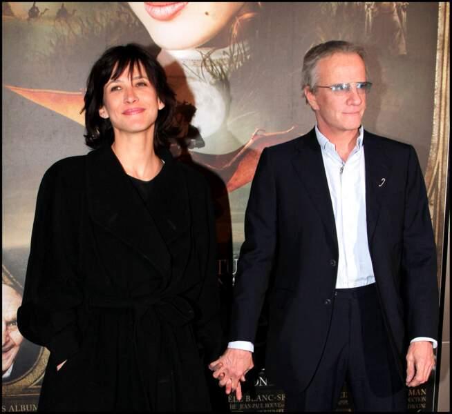 Sophie Marceau main dans la main avec son compagnon Christophe Lambert en 2010.