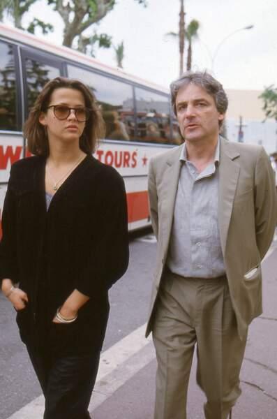 Sophie Marceau et Andrzej Zulawski dans les rues de Cannes en 1987.